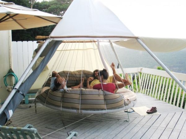 AD-Relaxing-Hanging-Beds-For-Absolute-Enjoyment-10