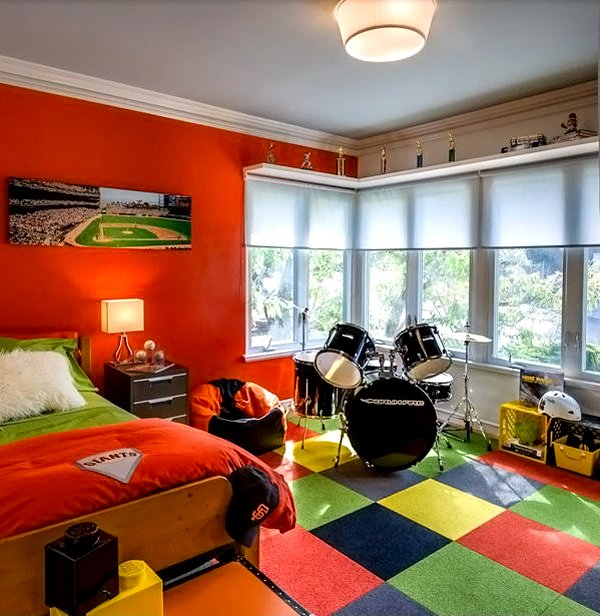 Bedroom for young SF Giants Fan