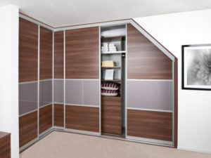 L Shaped wardrobe incorporating an angle
